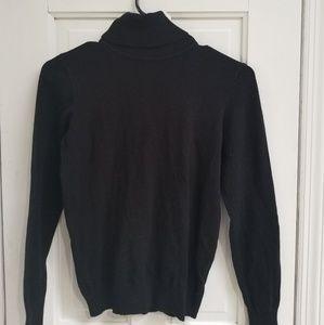 Classic Turtleneck light weight Sweater